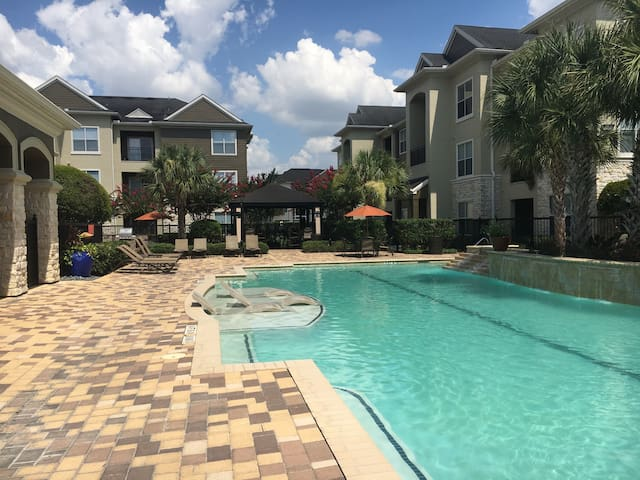 Beautiful Pool View 2BDR/2Bath-Woodlands #8SC21 - Spring - Appartement