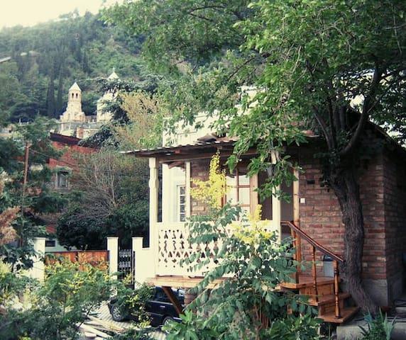 Guesthaus Pantheontan3
