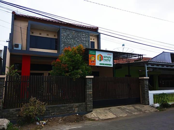 Simply Homy Guest House Unit Kota Tegal