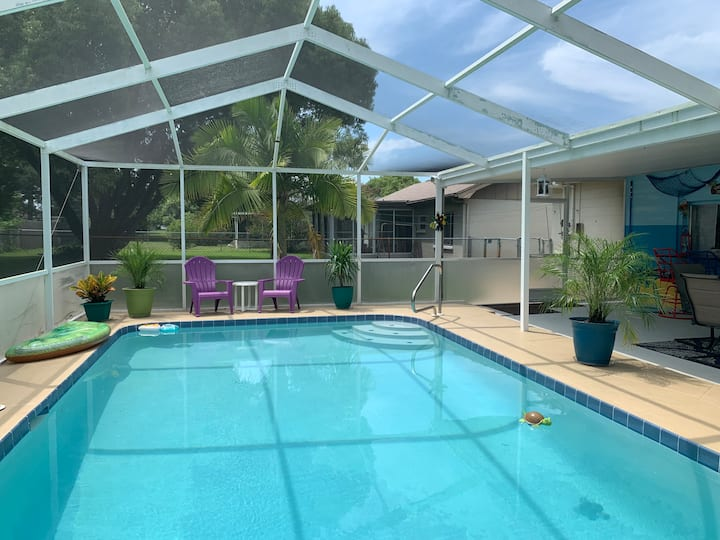 New Port Richey.Private heated pool(solar panels).