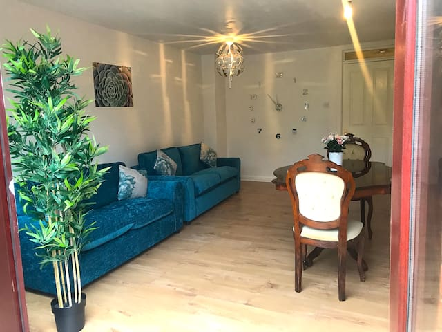 Luxury Private Room in Newly Refurbished House