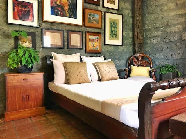 Earthy and peaceful home in Bulacan (Whole house)