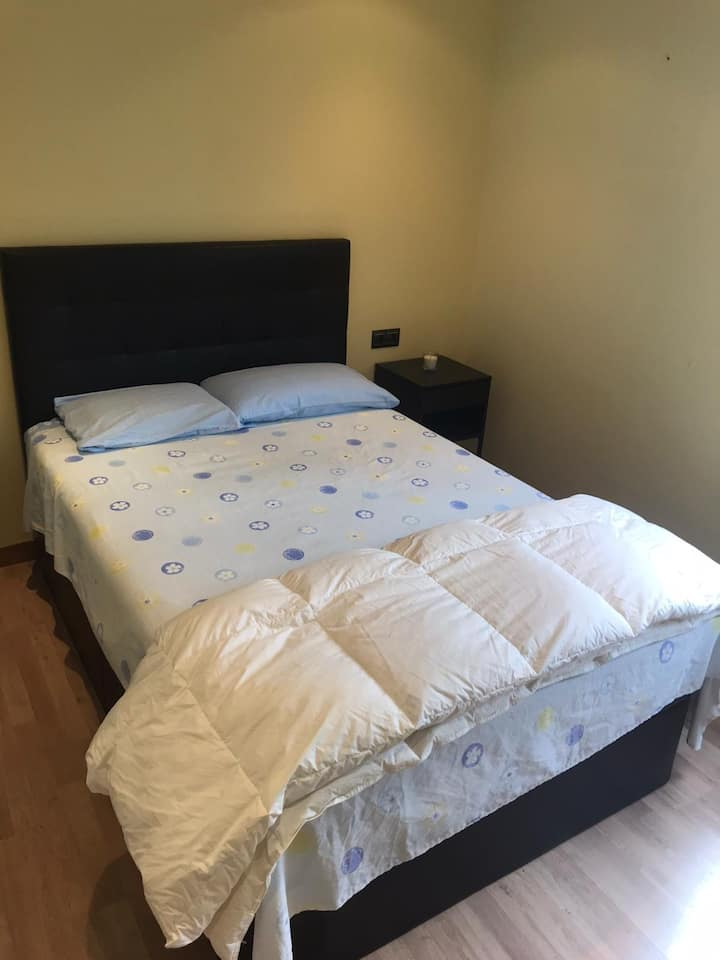 Alquilo habitación para persona solvente