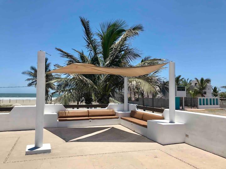 Casa Playa Las Glorias. Vista al mar. Facturamos