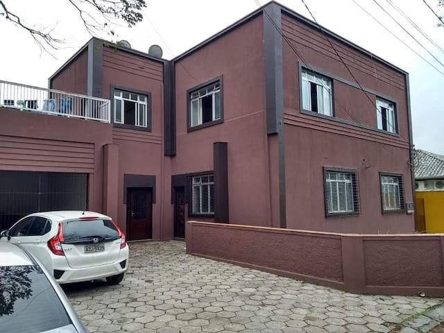OPORTUNIDADE ÚNICA  CENTRO PARANAGUÁ  8 PESSOAS.