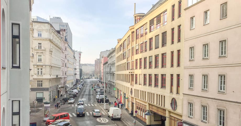 CENTRAL VIENNA. Charming Studio, great located!