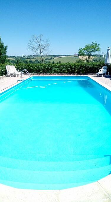 piscine prête à plonger