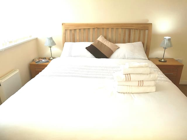 Nice Double Room By City Airport and Excel London