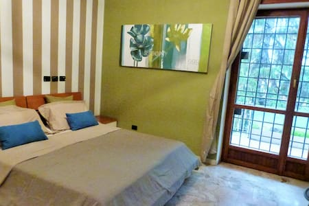 "B&B ""FeelGood"" Roma - Rom - Bed & Breakfast"
