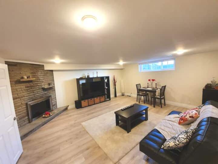 Bright and Spacious 1 Bedroom Basement