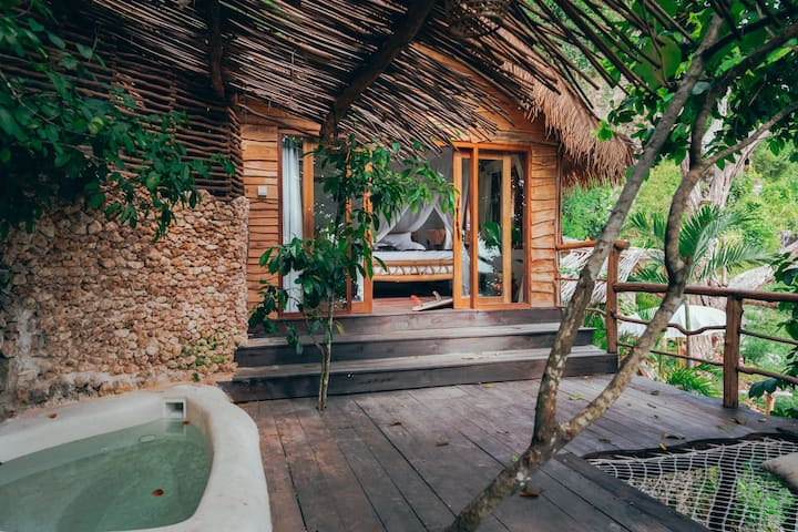 Honeymoon Suite + Plunge Pool @ The Korowai