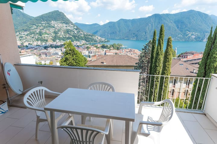 Breathtaking view on Lugano Lake (BELGOLFO ATTIC )