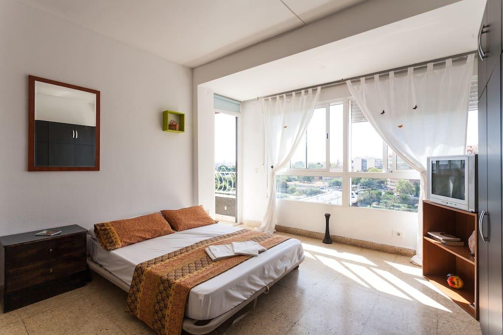 Habitaci n espaciosa con terraza apartamentos en alquiler en val ncia comunidad valenciana - Loquo valencia alquiler habitacion ...