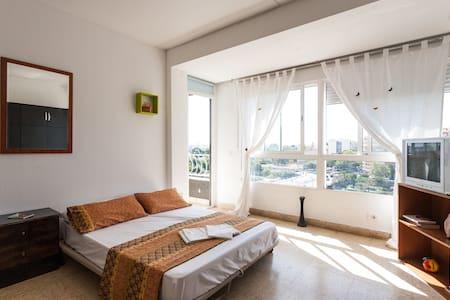 Habitación Espaciosa con Terraza - València - Byt