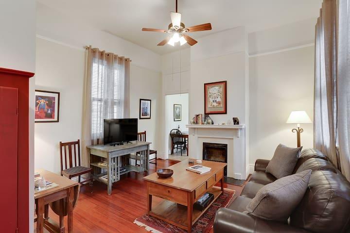 Baronne House - Sleeps 6! Lower Apt - Nova Orleans - Apartamento