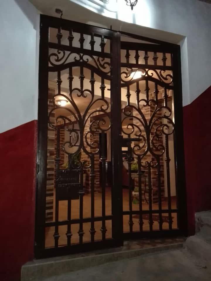 Habitación para tres personas en Posada Los Arcos