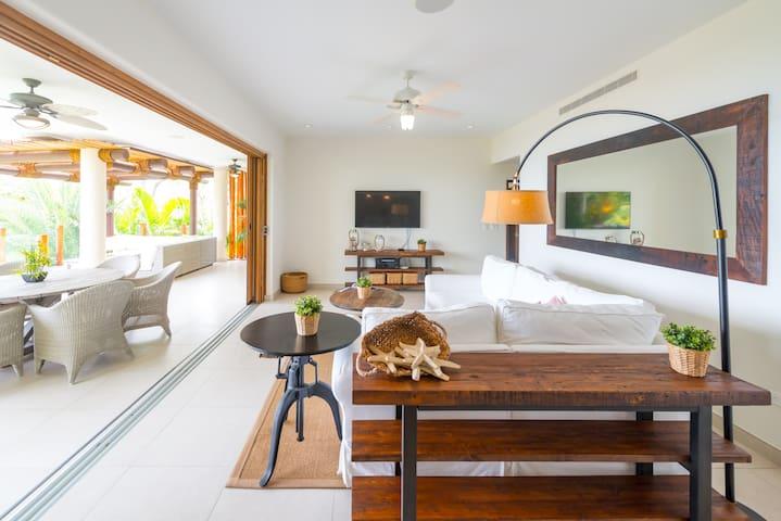 Luxury Condo in the Exclusive Guacalito Community