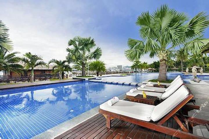 三亚大东海情人湾海景飘窗大床房(免费接机、接站、游泳池、停车、游玩攻略) - Sanya - Appartement