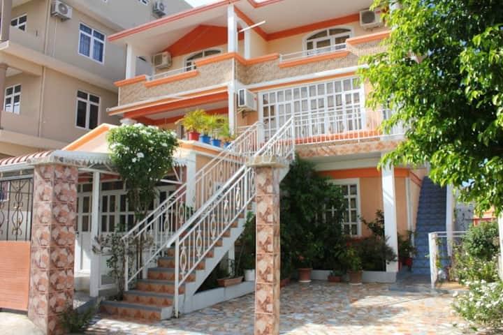 Roshnee Studios and Apartments in Grand Bay