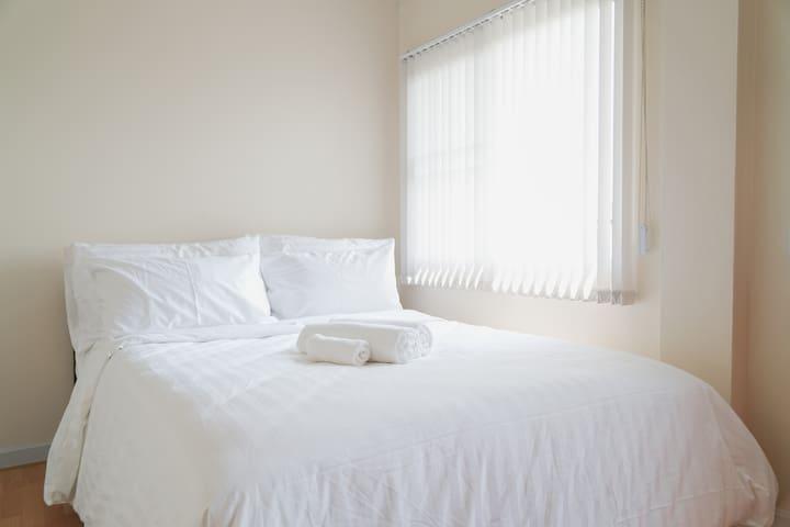Baan 106:Third Room-Queen Bed.