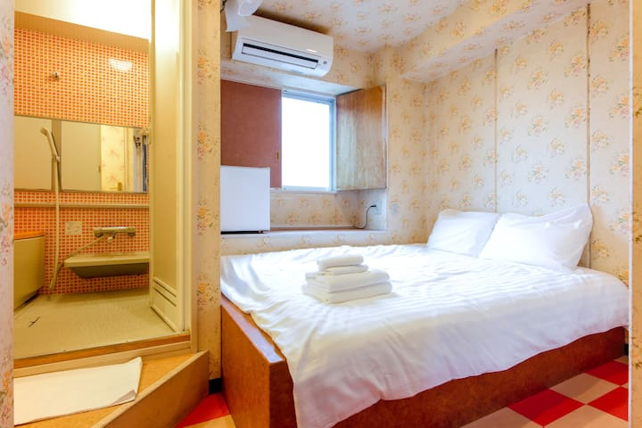 9㎡ Simple Room with Private Bath in Shopping Area
