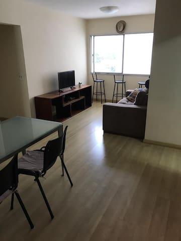 Apartamento Pompeia - Quarto Disponível.