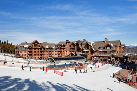 Ski in/Ski out at Peak 7 - Luxury 5 star resort