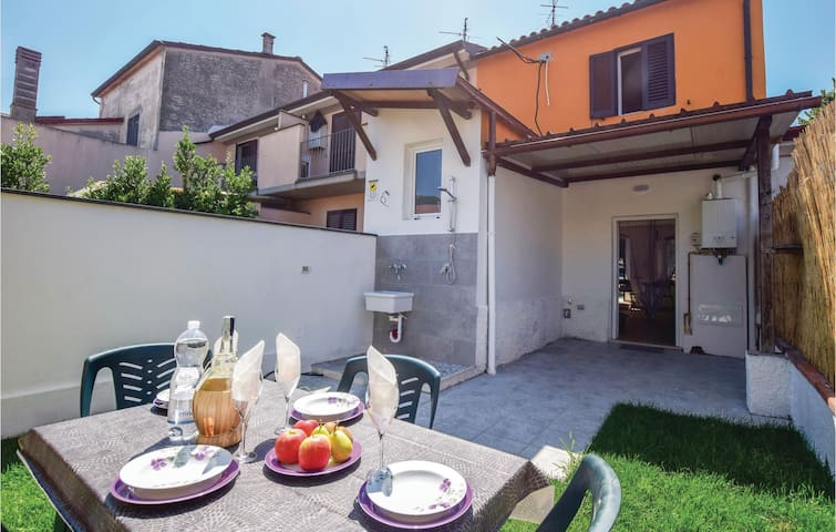 Terraced house with 2 bedrooms on 80m² in Torre del Lago LU