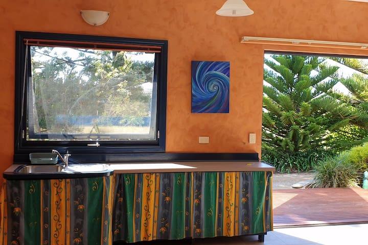 Sea Mist Studio Apartment  - Elm Lodge