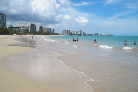 Stay in Isla Verde, 6 people - San Juan