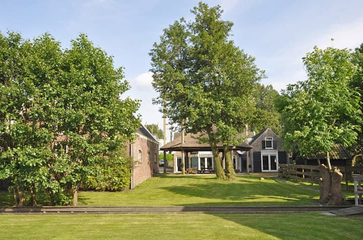 Farm house, very large,  all luxury, with garden.