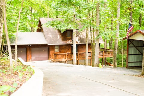 Lake Cumberland Cabin with Guest Suite. All Yours!