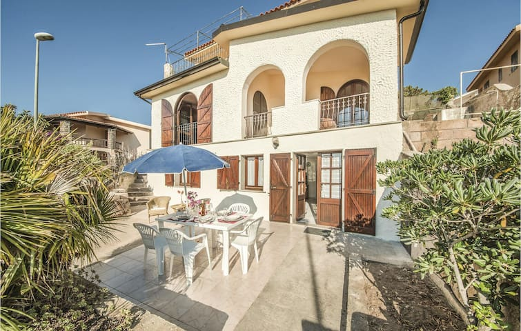 Holiday apartment with 2 bedrooms on 80 m² in Porto Alabe OR