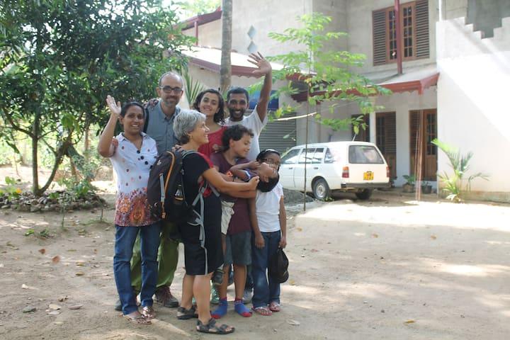 Stanza privata in una casa moderna - Kurunegala - Casa