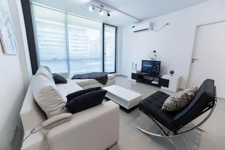 💎 Luxury & Modern Apartment WiFi/ AC / Gym 1 Bdr | Welcome2BA Team