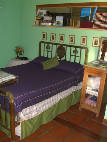 Room for 3 in Countryside House - Luján