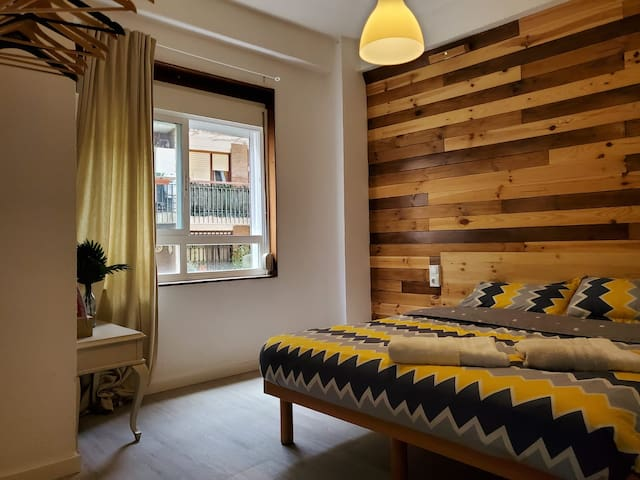 Double room near the beach (Happy Alicante)