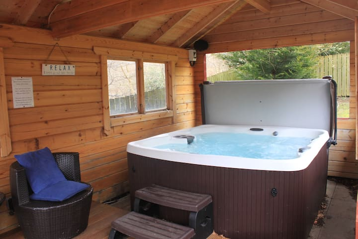 Loch Tay - Log Cabin - Private Hot Tub & Sauna