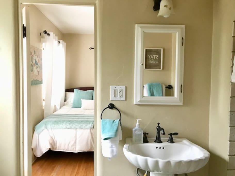 Private 3/4 bathroom
