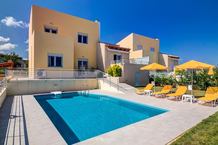 Three bedroom sea view villa with private pool - Adelianos Kampos - Casa de camp