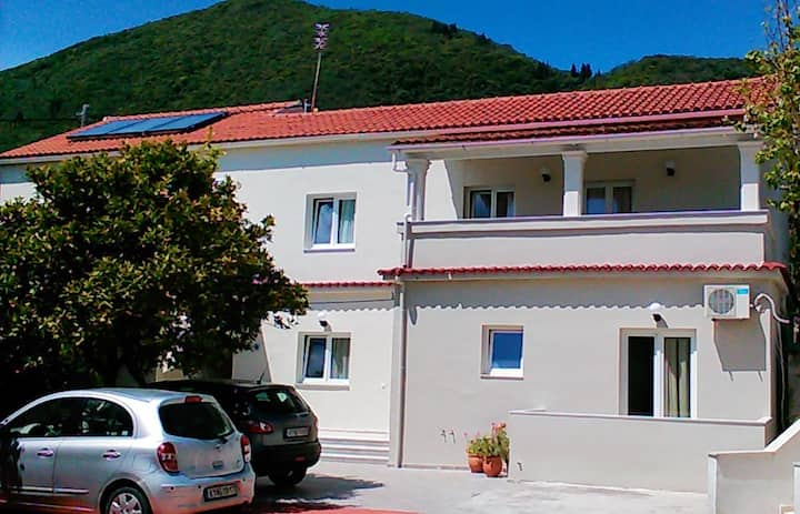 Gorgona apartments Ipsos-Pirgi