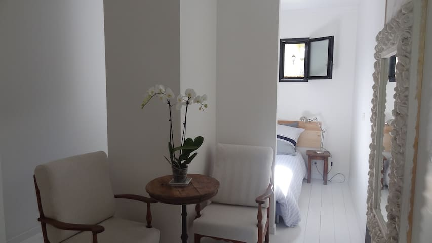 Studio with independent entrance, Garden, parking - Eysines - House