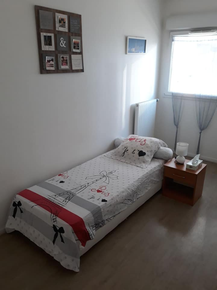 Chambre privée 10m² chez l'habitant Métro 7