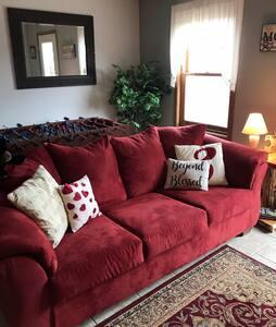 Cozy room close to Governor Dodge State Park