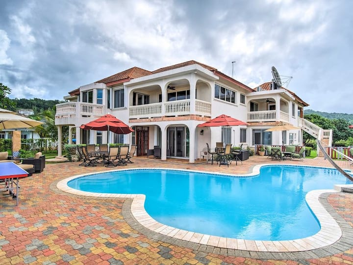 4br Beachfront Villa WiFi/Pool/Housekeeper/Cook