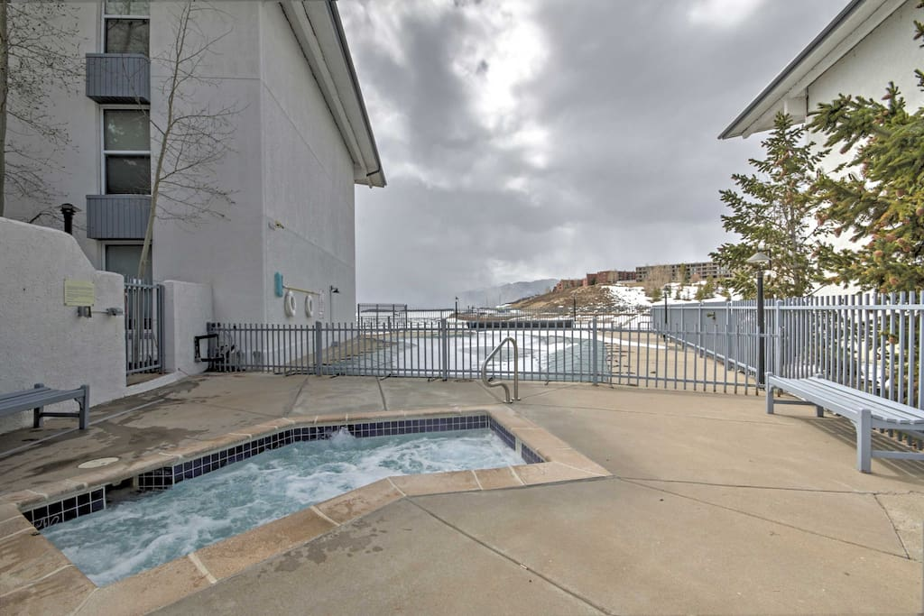 Enjoy community amenities such as the pool and hot tub.