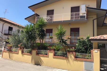 Appartamento nuovo in villa