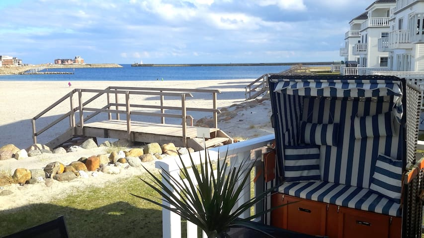 Beach house right on the beach - Kappeln - Talo