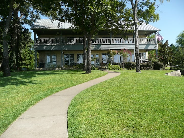 Amazing Home with zip line, boat & jet ski rentals