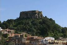 Castell de Begur:  20 minuts amb      cotxe de l'apartament.